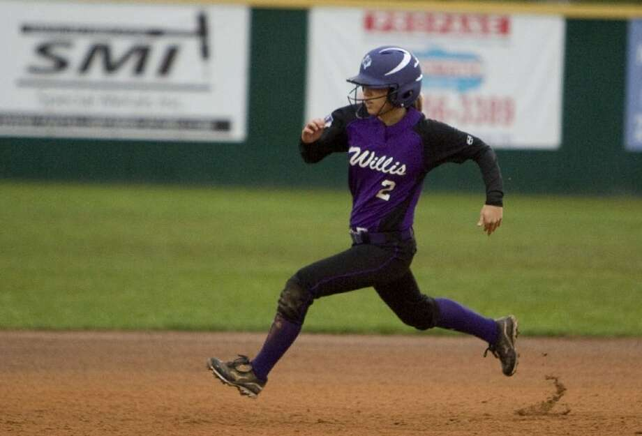 Willis' Katelyn Bates makes a run for second base during Thursday's tournament game against Livingston. Photo: Staff Photo By Eric S. Swist