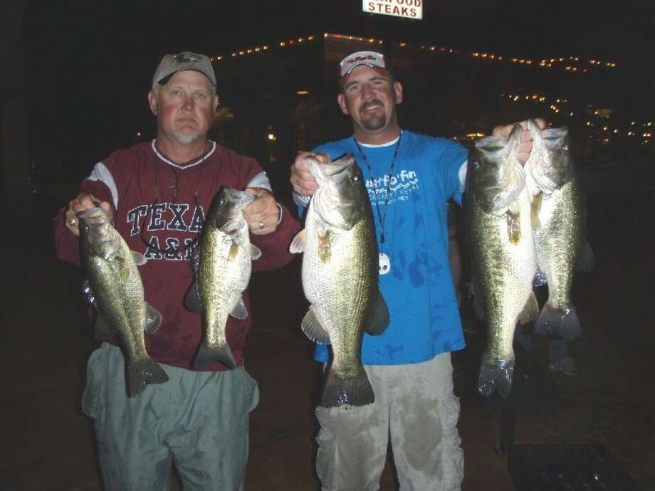Julian Clepper and Randy Gunter won second place in the Tuesday night conroebass.com with 5 fish weighing 21.56 pounds.