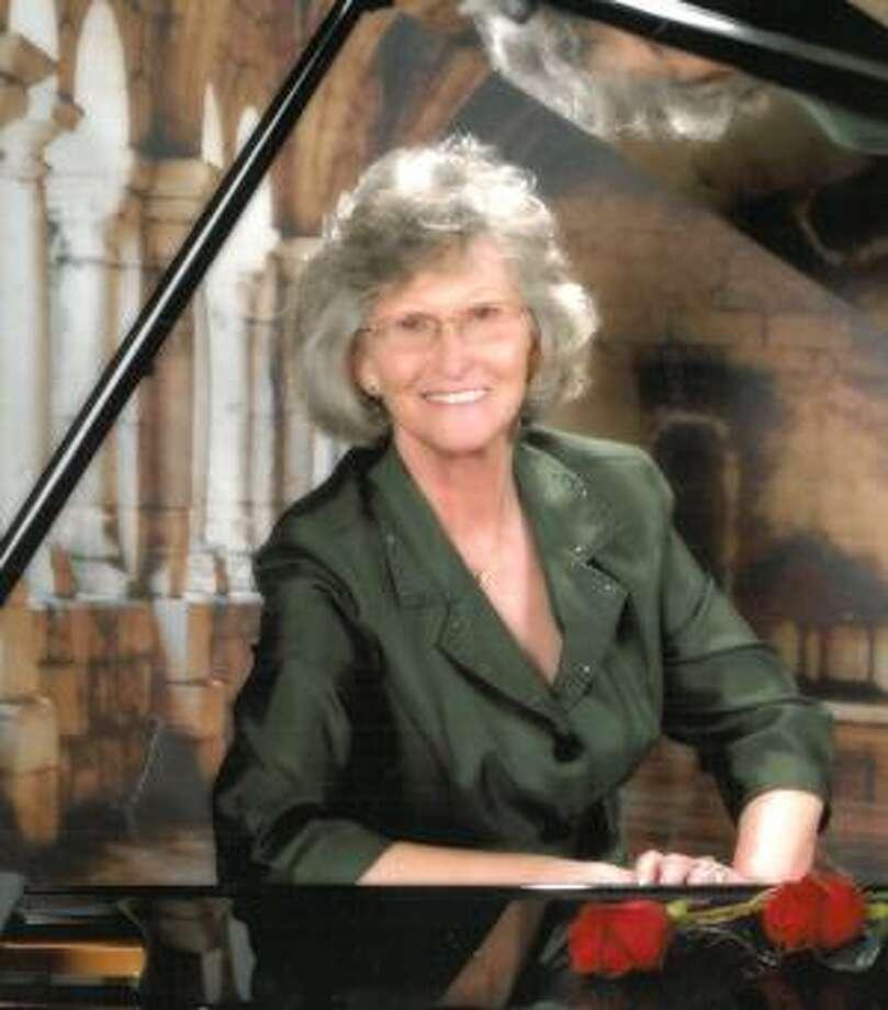 La Coure, Linda Rae