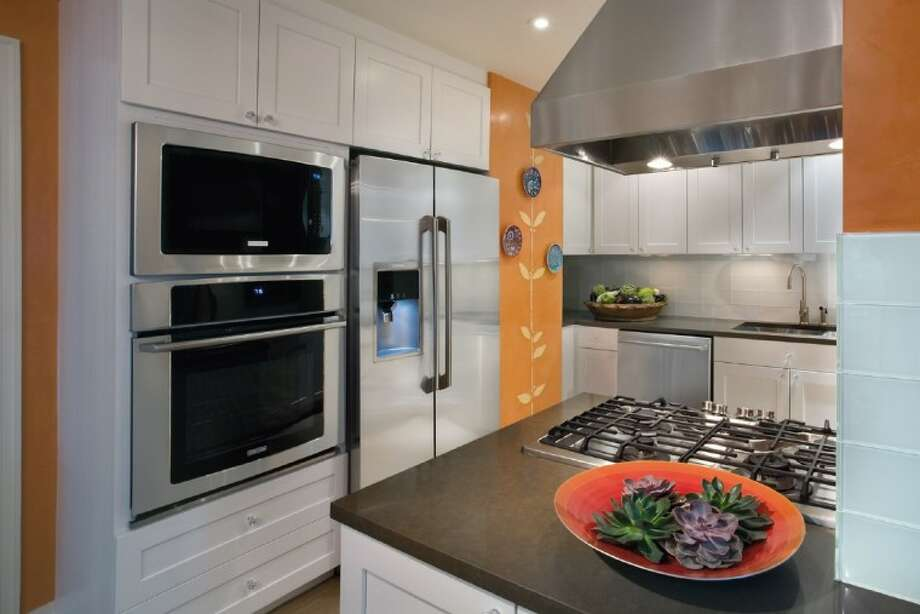 The Electrolux Cooking Stage will be part of the Spring Home & Garden Show March 31 and April 1 at The Woodlands Waterway Marriott Hotel & Convention Center.