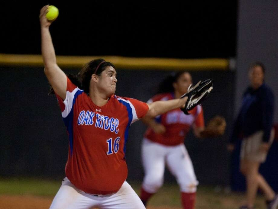 Oak Ridge junior pitcher Dani White delivers during Friday night's District 14-5A game against College Park. The Lady War Eagles won, 8-4.