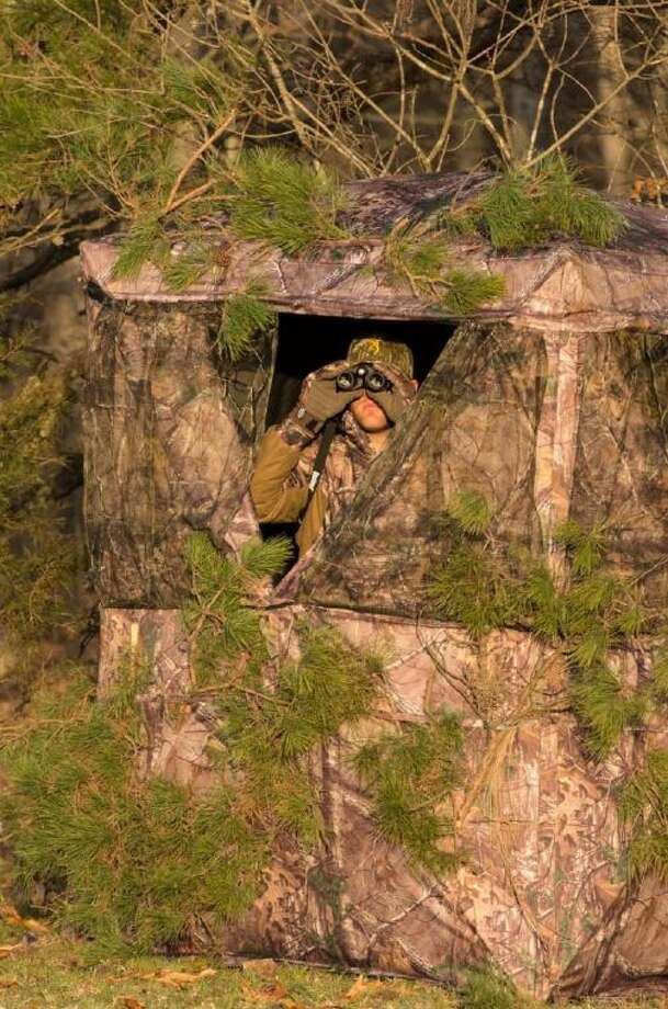 Browning blinds are lightweight, easy to carry and pop up readily to give hunters a roomy, comfortable and well-camouflaged enclosure.