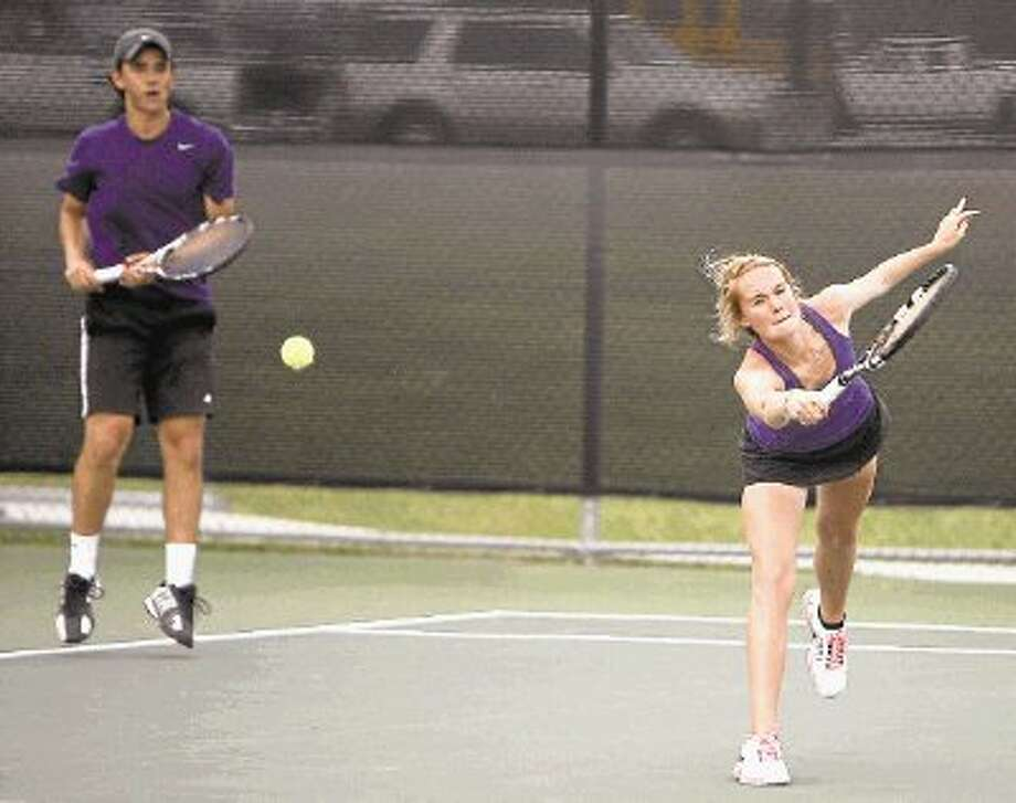 Montgomery mixed doubles team Jillian Wright and Jorge Ruiz compete during Tuesday's Region III-4A Tournament in Willis. Photo: Staff Photo By Eric Swist / @WireImgId=2623336