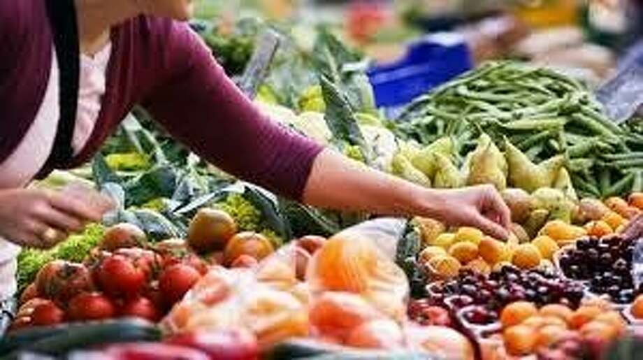Healthy Living Cooking School will be Thursday at 5:30 p.m. and will focus primarily on vegetables and fruits.