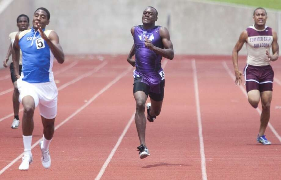 Willis Chris Platt competes in the 400-Meter Dash during the Region III-4A Track and Field Championships at Bowers Stadium in Huntsville. Photo: Karl Anderson