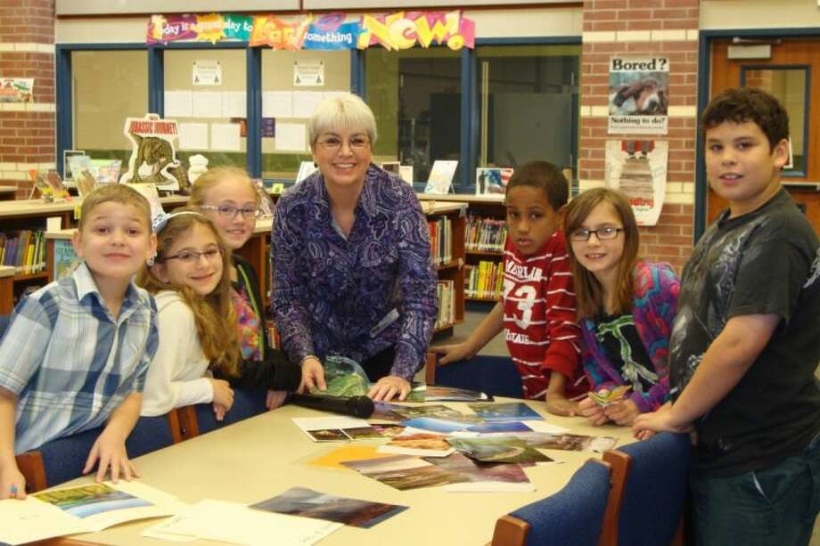An author, H.J. Ralles, visited Wilkinson library for a writing workshop with students.