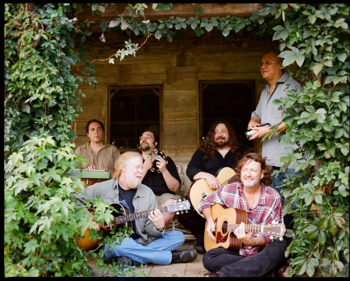 The band Widespread Panic, which is celebrating its 25th year together, plays at the Pavilion on Saturday.