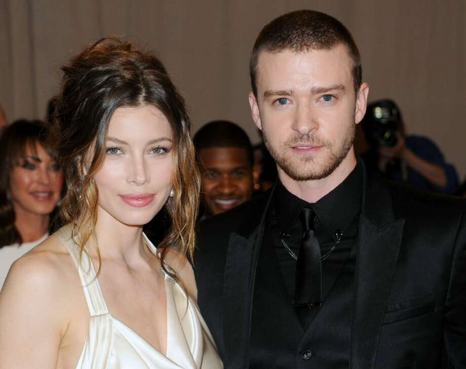 "Jan 2018. Justin Timberlake and Jessica Biel gave us couple goals at the Golden Globes, where they chatted with ""Extras"" Mario Lopez."