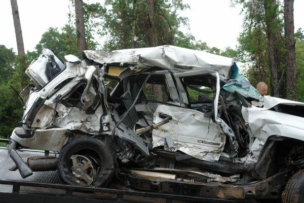 Woman Dies In  Car Accident In Conroe