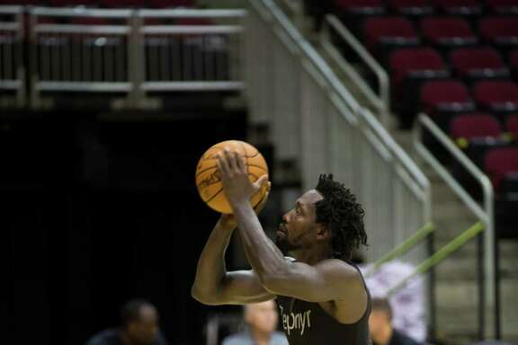 Houston Rockets guard Patrick Beverley shoots a free throw during the first day of practice, Saturday, Sept. 24, 2016, at the Toyota Center in Houston.