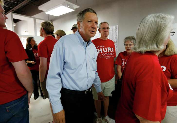 Ohio Governor John Kasich makes a stop at the campaign headquarters of U.S. Representative Will Hurd (R, TX-23) to stump for the congressman on Saturday, Sept. 24, 2016. (Kin Man Hui/San Antonio Express-News)