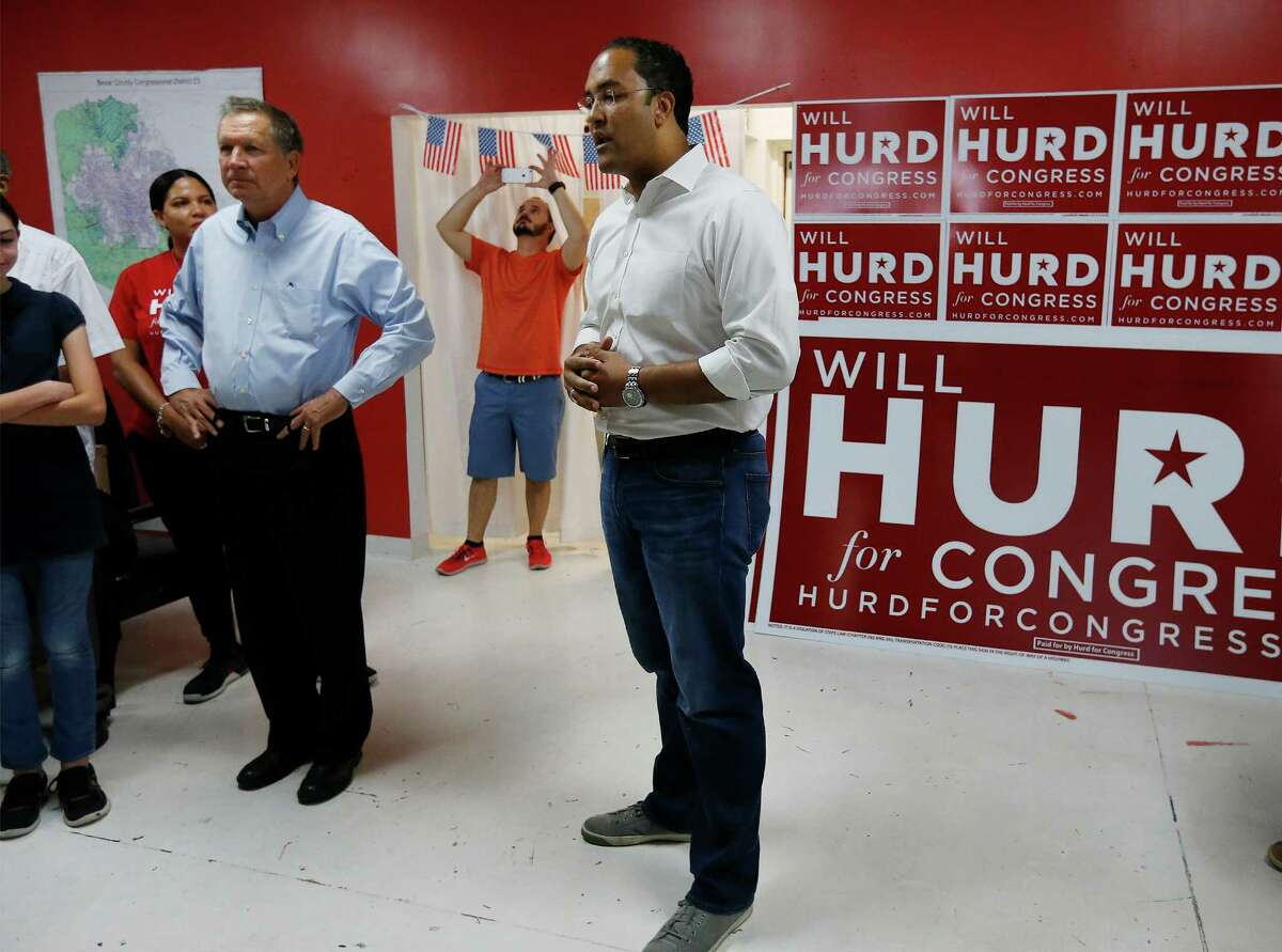 U.S. Representative Will Hurd (R, TX-23) introduces Ohio Governor John Kasich (left) as the former presidential candidate makes a stop at Hurd's campaign headquarters to rally supporters and to stump for the Congressman on Saturday, Sept. 24, 2016. (Kin Man Hui/San Antonio Express-News)
