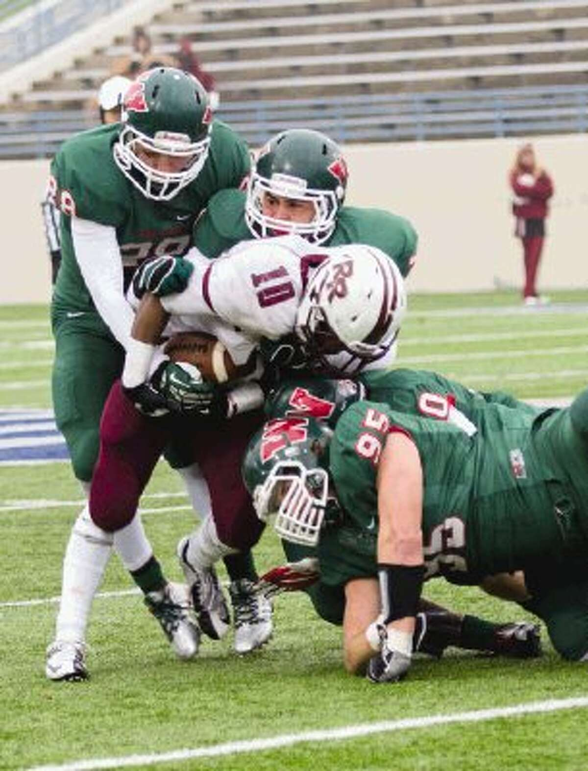 Zak Krolczyk (95) and The Woodlands defense will have its hands full with Allen quarterback Kyler Murray on Saturday.