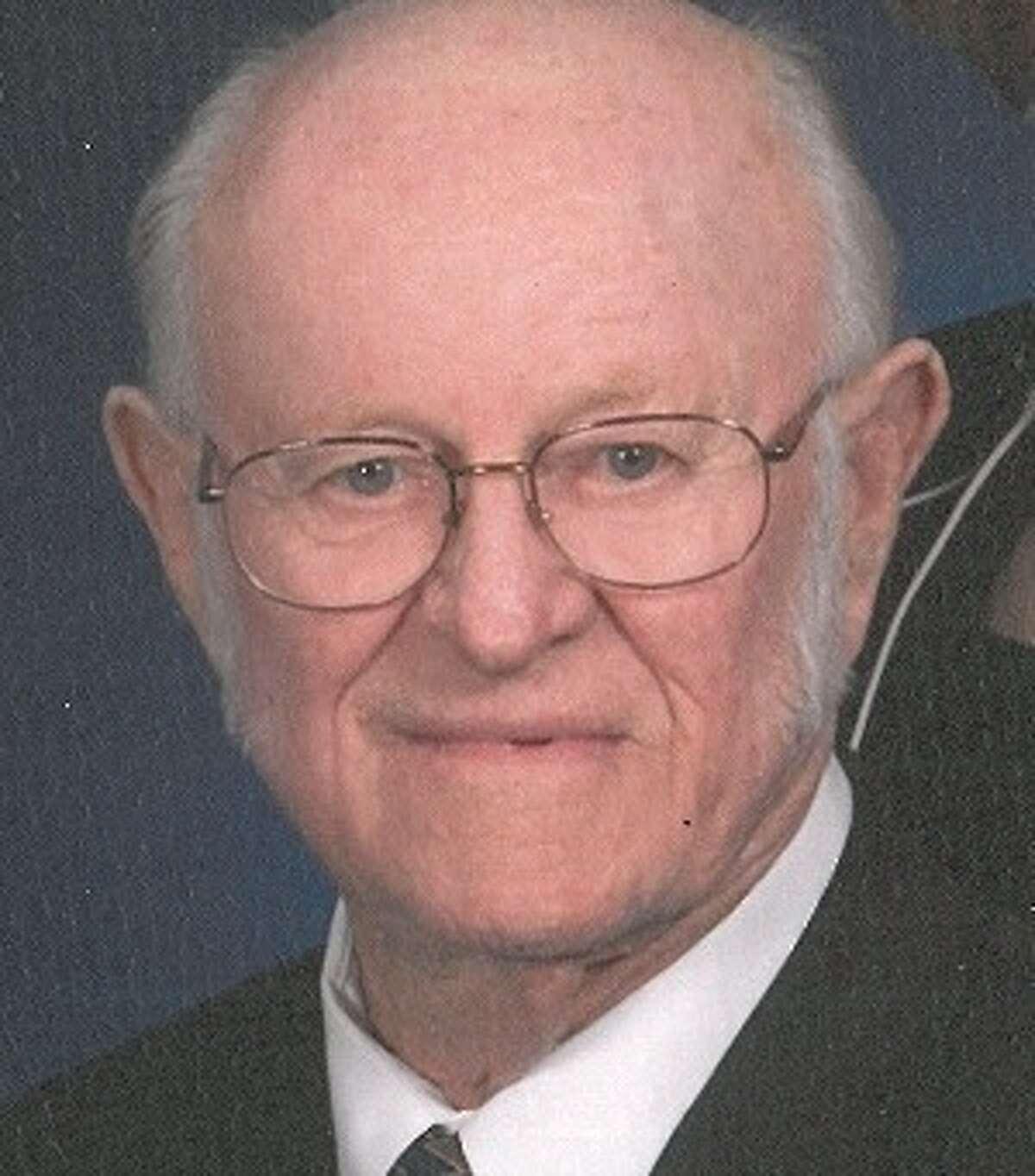 Gibson, Dr. Thomas Ewin