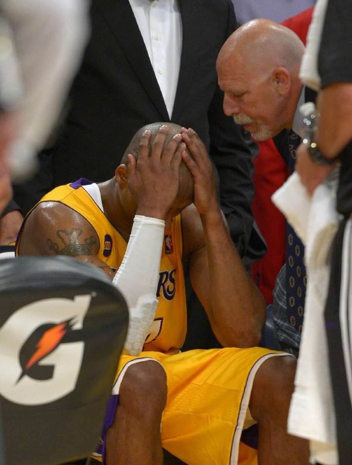 Lakers star Kobe Bryant sustained a torn Achilles tendon in Friday night's game against Golden State. The Lakers won 118-116.