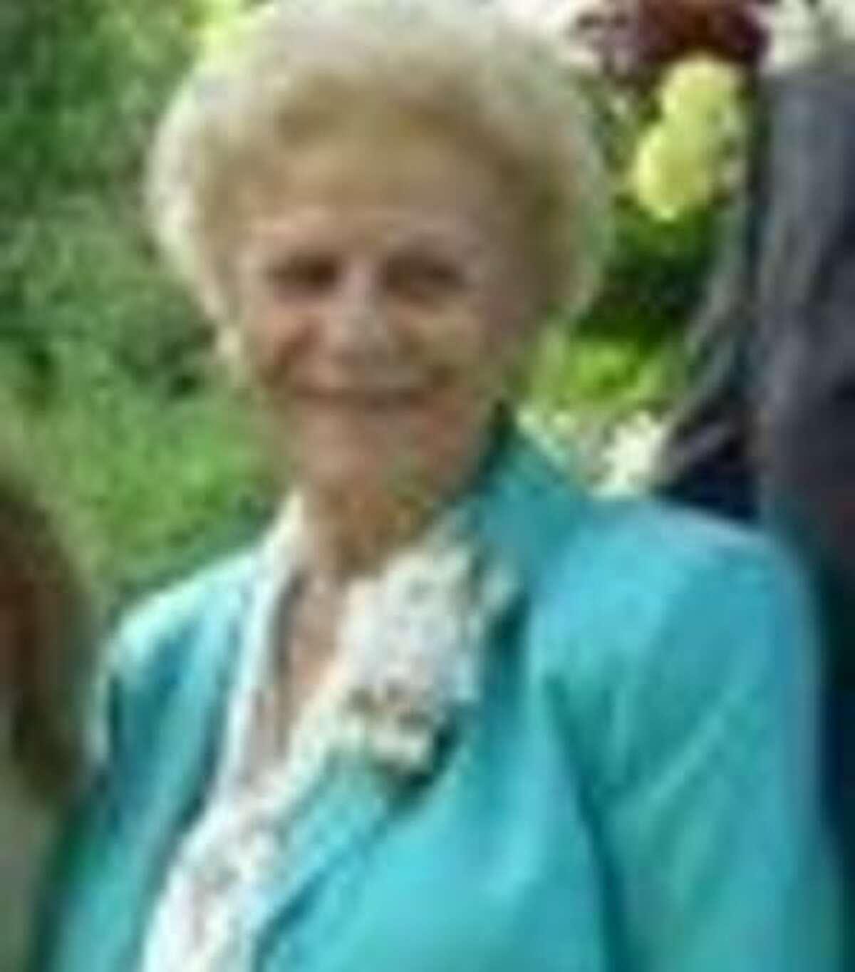 Holland Stringer, Rita