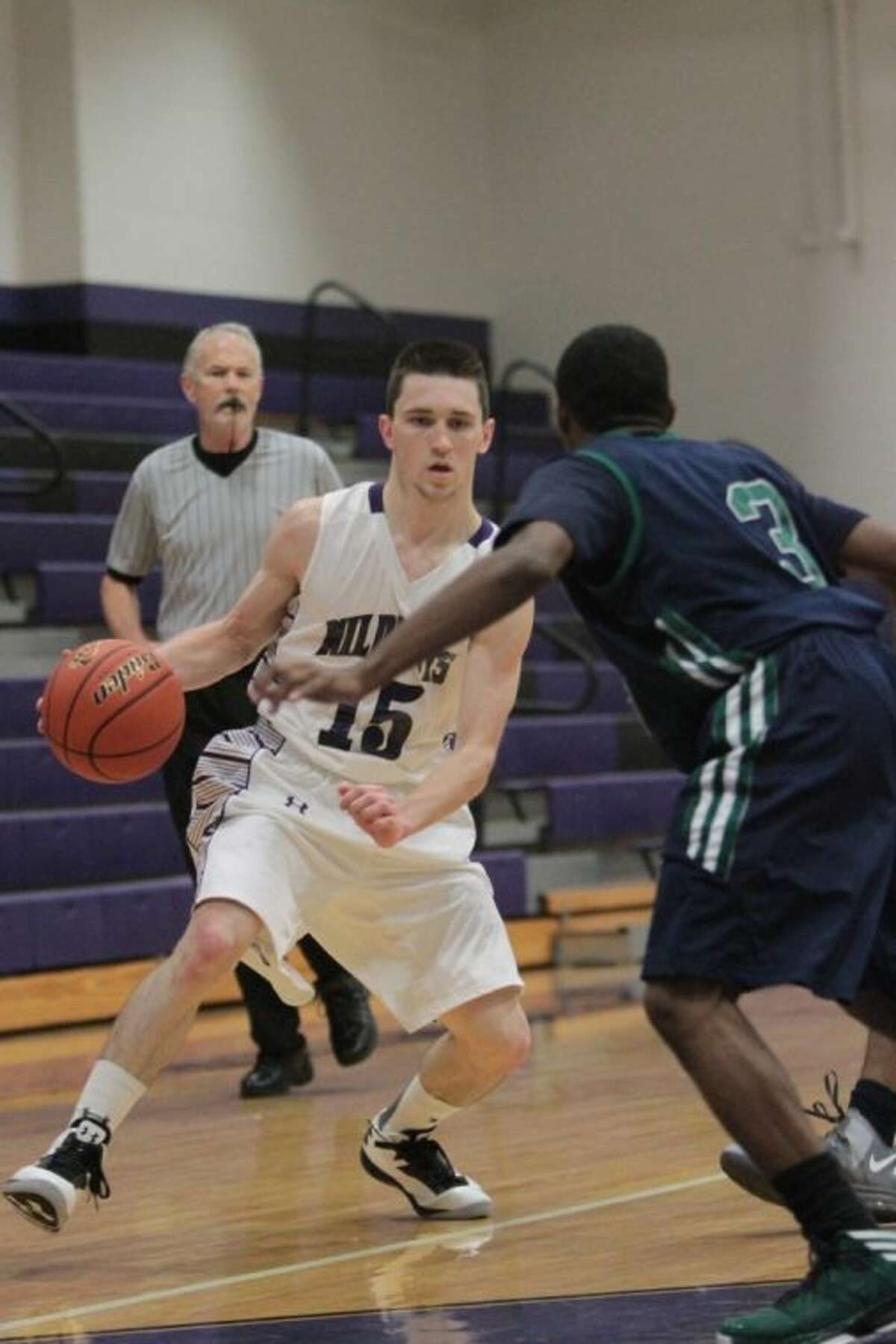 Payne Andrus and the Willis Wildkats host Montgomery at 7:30 p.m. Friday.