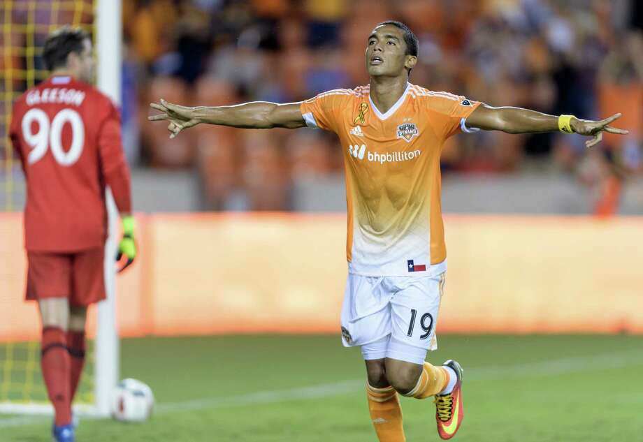 Mauro Manotas (19) of the Houston Dynamo scores his first MLS goal at home off of a penalty kick in the first half against the Portland Timbers on Saturday, September 24, 2016 at BBVA Compass Stadium in Houston Texas. Photo: Wilf Thorne, For The Chronicle / © 2016 Houston Chronicle