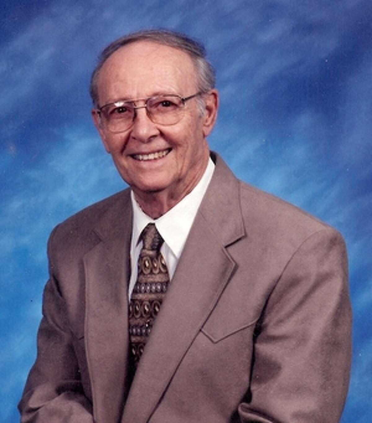 Russell, Jr., Lee