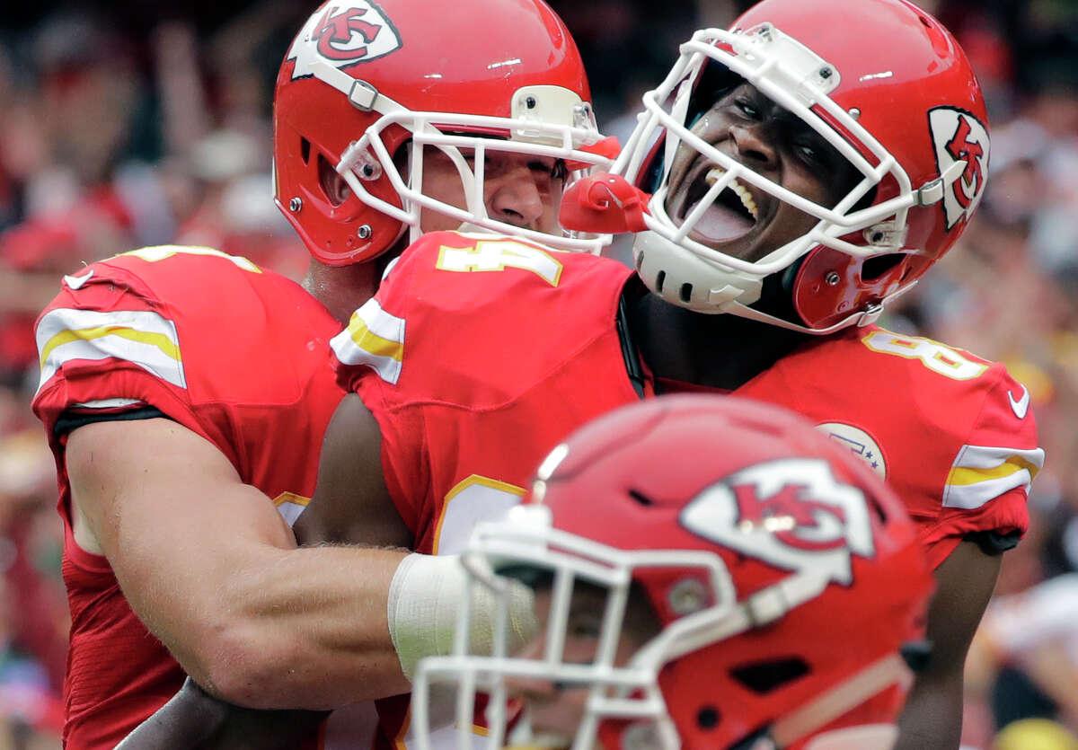 New Orleans (2-3) plus-6½ at Kansas City (3-2) Chiefs 27-24