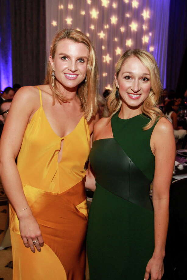 Lindley Arnoldy, left, and Erin Stewart at the Big Brothers Big Sisters gala.  (For the Chronicle/Gary Fountain, September 23, 2016) Photo: Gary Fountain, Gary Fountain/For The Chronicle / Copyright 2016 Gary Fountain