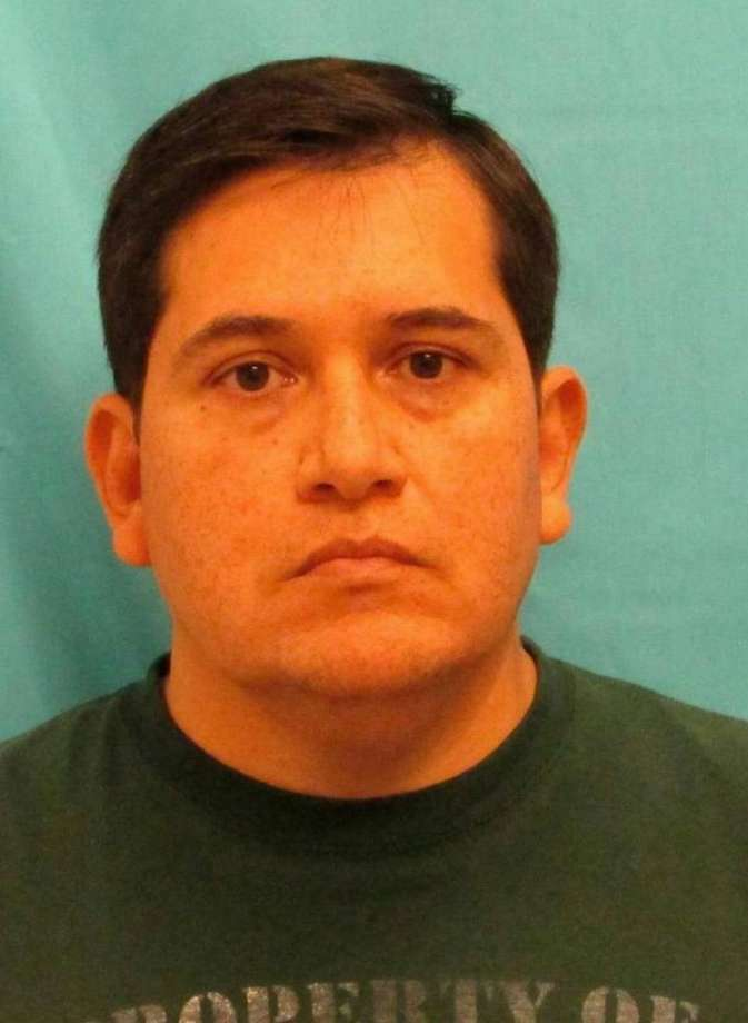 Oscar Figueroa, former principal at Viridian Elementary School in Arlington, has pleaded not guilty to a federal charge of coercion or enticement of a minor. Photo: San Antonio Express-News