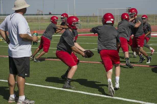 Stanton players run drills Wednesday 08-03-16 during practice. Tim Fischer/Reporter-Telegram