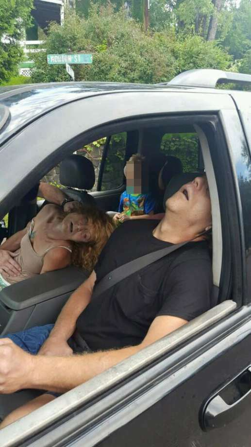 Rhonda Pasek (left), 50, and James Acord (right), 57, face child endangerment charges after they passed out in their car with Pasek's 4-year-old son in the back seat on Sept. 7, 2016. Photo: Photo: Courtesy/City Of East Liverpool, Ohio