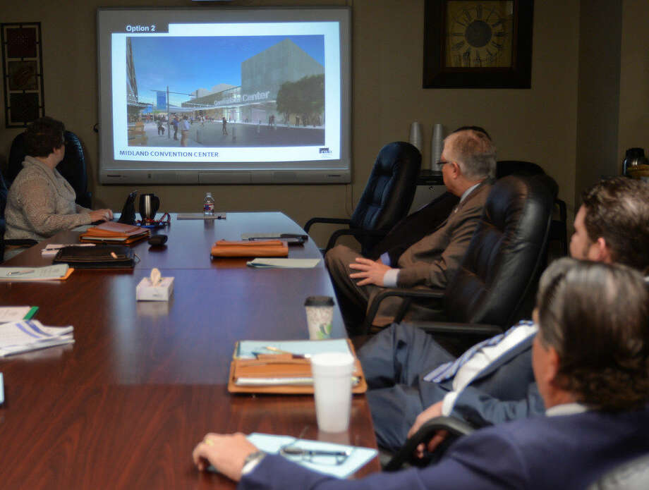 Jim Rhotenberry with Rhotenberry Wellen Architects presents options for a new Midland Center to city council members and city staff during a briefing before a recent city council meeting. Photo:  MRT File Photo
