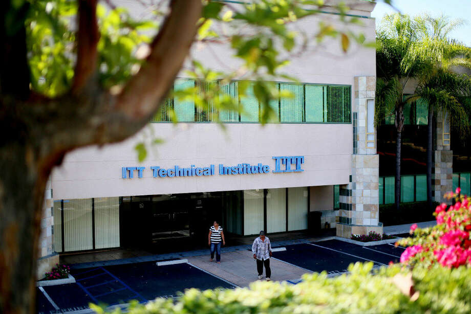 AnITTTechnicalInstitutebuilding in Vista, California, Sept. 6, 2016. The chain of for-profit colleges has announced it is closing, putting an end to an operation that has been accused of fraud and abuse. (Sandy Huffaker/The New York Times)