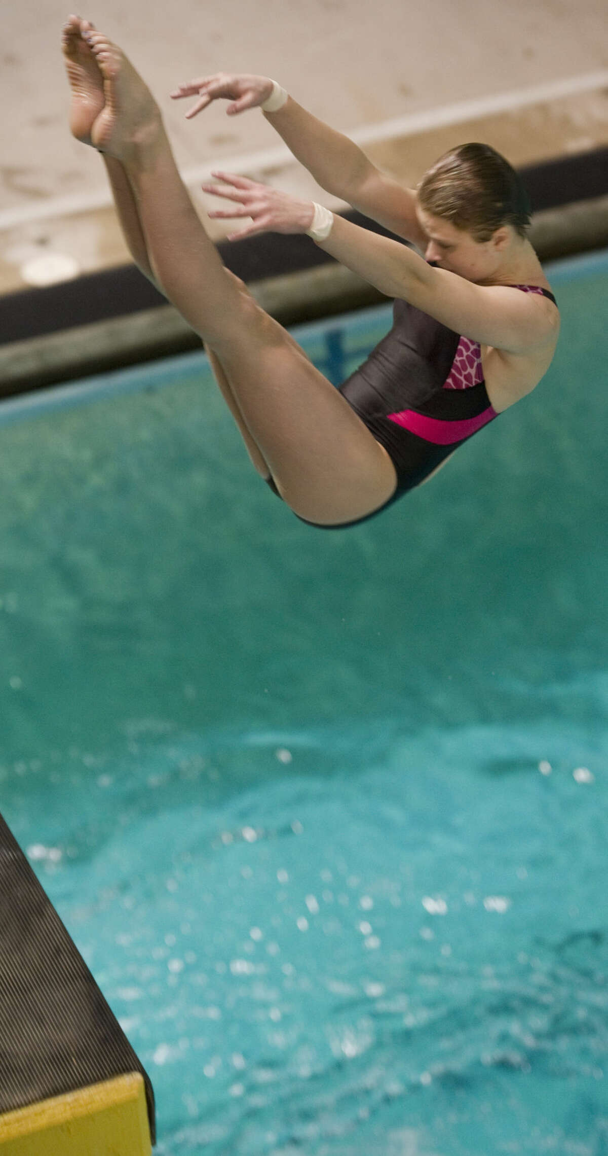 Midland diver Tarrin Gilliland practices Monday 06-13-16 at COM as she prepares for the U.S. Olympic Trials. Tim Fischer\Reporter-Telegram