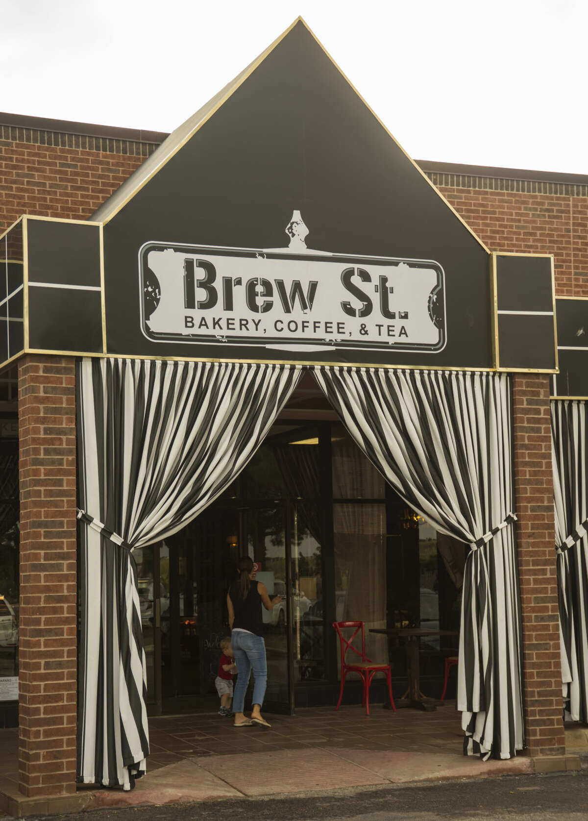 The Midland City Council on Tuesday approved an alcohol permit that will allow Brew St., located at 4610 N. Garfield St. in north Midland, to serve alcohol extra hours on Monday through Wednesday and to serve on Sunday.