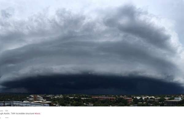 """Massive shelf cloud moving through Austin, TX!!! Incredible structure! #txwx,"" @tornadotrackers."