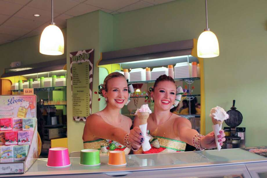 Radio City Rockettes Tori Gregson and Tiffany Billings scoop gelato at Gelatissimo in New Canaan, Conn., on Sept. 21, 2016. Photo: Justin Papp / Hearst Connecticut Media / New Canaan News