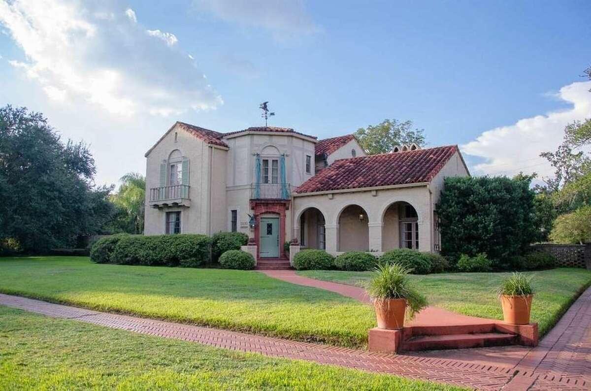 2400 Long St., Beaumont, Texas 77702. $470,000. 3 bedrooms; 3 full; 1 half bathrooms. 4,193 sq. ft., 0.34 acres.