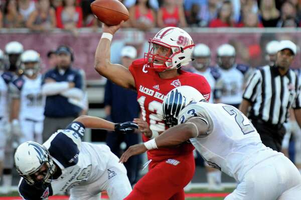 Sacred Heart QB RJ Noel racked up 260 yards of total offense Saturday in a 38-10 rout of Stony Brook.