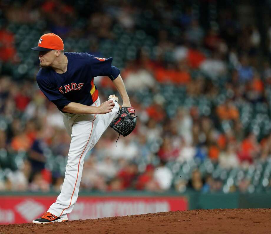 Houston Astros relief pitcher Ken Giles (53) pitches during the ninth inning of an MLB game at Minute Maid Park, Sunday, Sept. 25, 2016 in Houston. Photo: Karen Warren, Houston Chronicle / 2016 Houston Chronicle