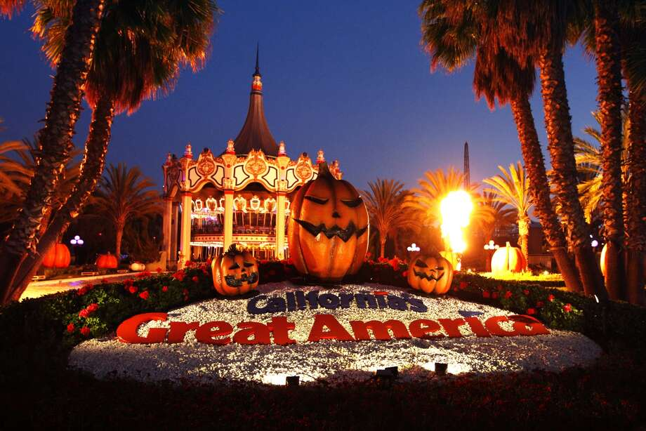 californias great america prepares for its annual halloween haunt