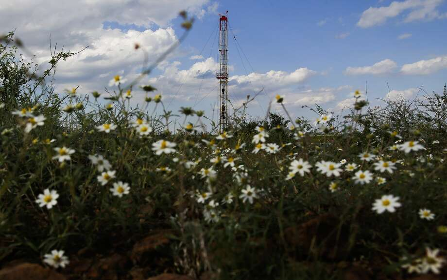 A drilling rig sits north of the Davis Mountains Friday, Sept. 16, 2016 in Balmorhea. As the American Petroleum Institute issued its annual State of American Energy report, it found an industry that has benefited many corners of the nation but has also come under increasing scrutiny. Photo: Michael Ciaglo/Houston Chronicle