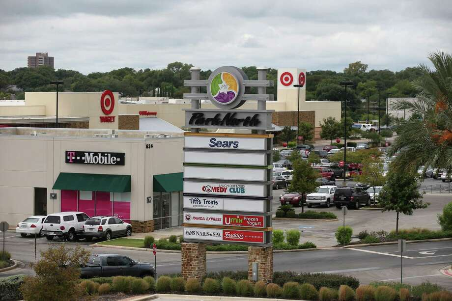Florida investment firm Sterling Organization bought most of the Park North shopping center last week. Photo: Jerry Lara /San Antonio Express-News / © 2016 San Antonio Express-News