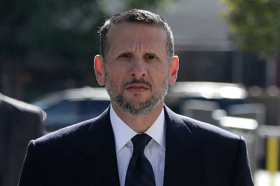 David Wildstein arrives at Martin Luther King Jr. Federal Courthouse for a hearing, Friday, Sept. 23, 2016, in Newark, N.J. Wildstein, pleaded guilty last year to orchestrating traffic jams in 2013 to punish a Democratic mayor who didn't endorse Gov. Chris Christie. Three years after gridlock paralyzed a New Jersey town next to the George Washington Bridge for days, two former allies of Christie, Bill Baroni and Bridget Kelly, are being tried. (AP Photo/Julio Cortez) ORG XMIT: NJJC105 Photo: Julio Cortez / Copyright 2016 The Associated Press. All rights reserved.
