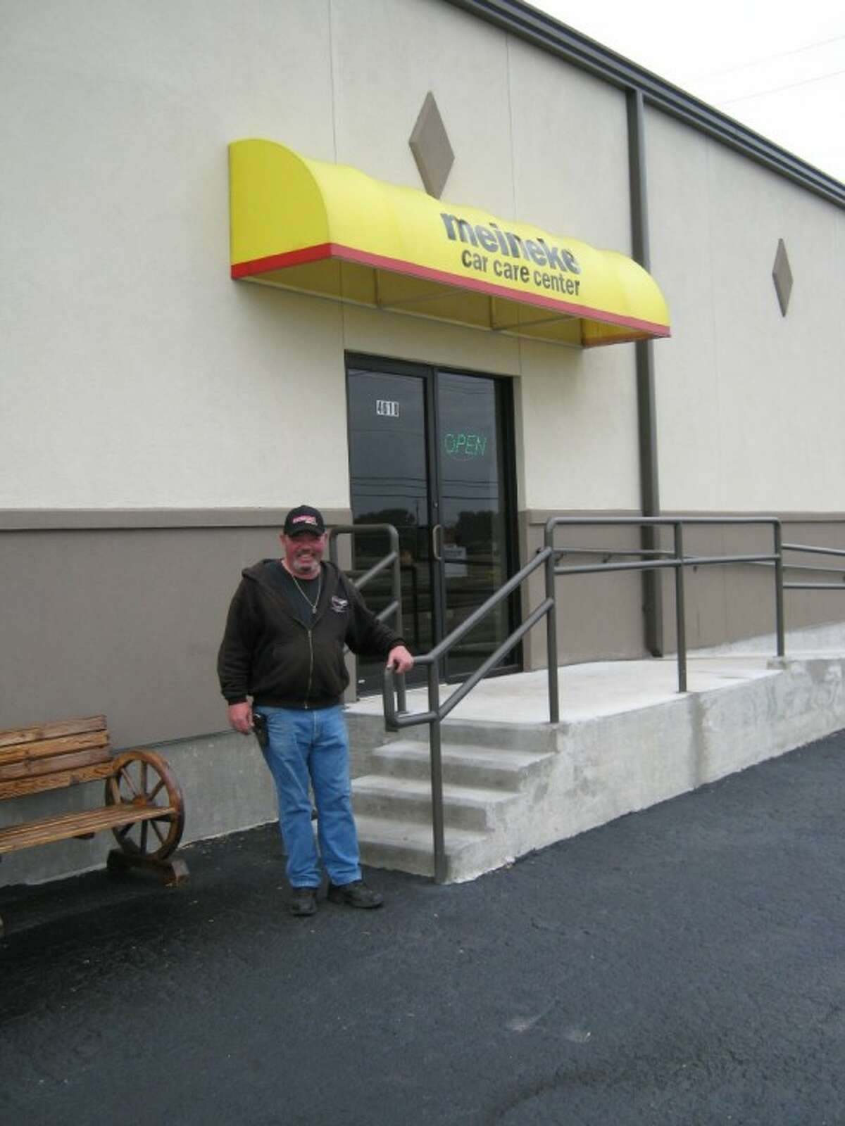 Roy Ritter, owner of Meineke Car Care Center, recently moved his business from Pasadena to Deer Park and is seeing a good response from community members. He hopes this will continue into the new year.
