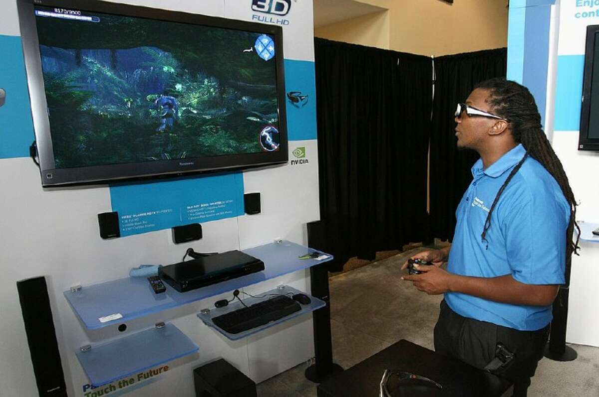 Area television providers have announced an expansion of 3D TV in the area in 2011 -- including movies, gaming and sporting events.