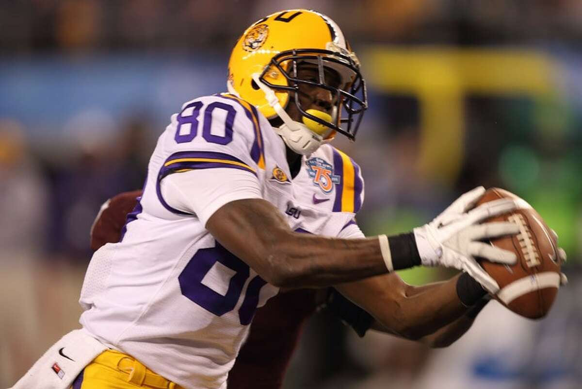He's a Texan! Former Hempstead High School football standout Terrance Toliver, who led Louisiana State University to a Cotton Bowl victory last season, signed a free-agent contract with the Houston Texans on Monday.