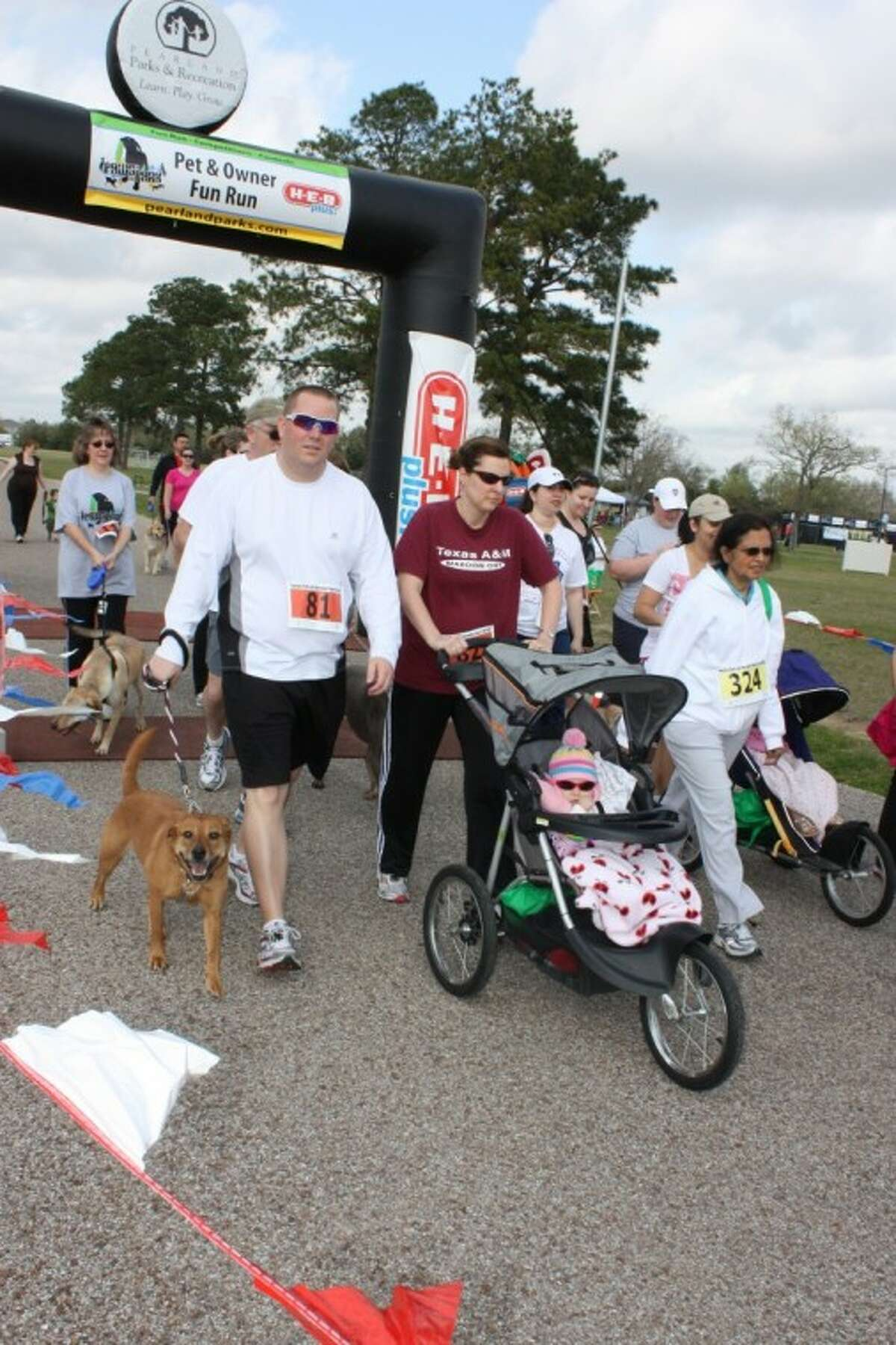 Pearland is hosting a dog-friendly fun run as part of their yearly Paws in the Park celebration on Saturday, March 31. The HEB Plus! Pet and Owner Fun Run includes a 1K, 3K and 5K Race. Runners are invited to run with their dogs.