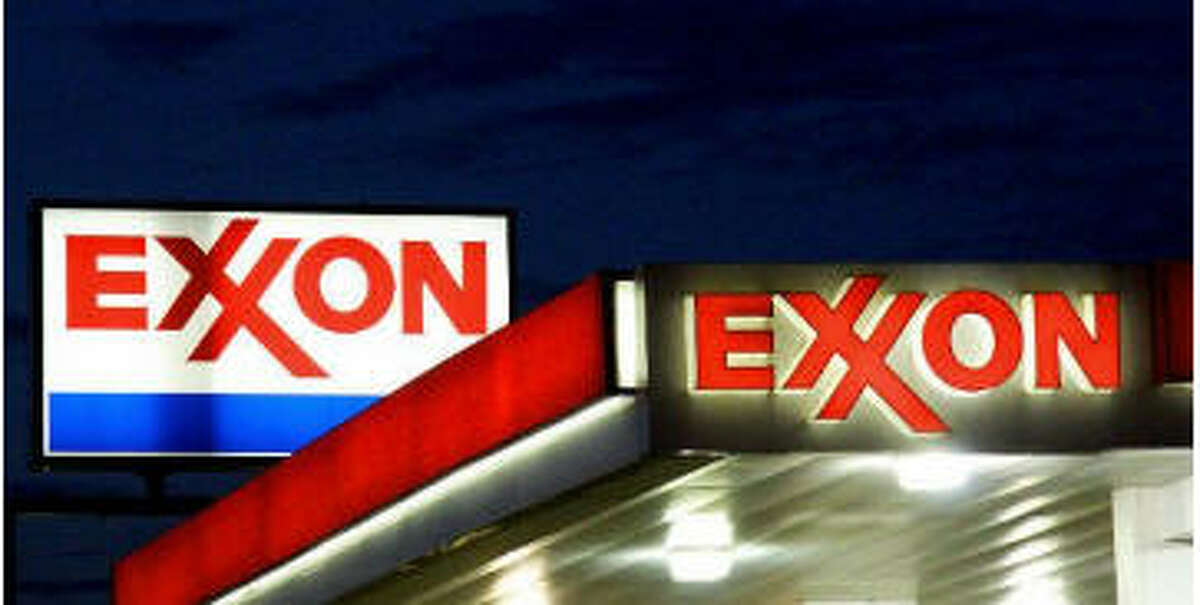 $2.78 billion Exxon Mobil's profit of $2.78 billion was down from $6.57 billion the year before. Its exploration and production business lost $538 million in the United States, though its total global upstream earnings for the quarter were $857 million. For all of 2015, the company's net income of $16.2 billion was roughly half that of 2014.