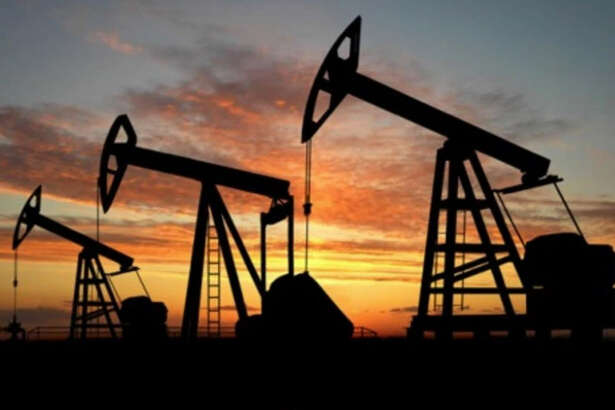 """350,000   By mid-2016, layoffs worldwide had hit the oil industry hard. More than 350,000 people had lost their oil industry-based jobs as companies shed workers. In Texas, 99,000 jobs tied directly and indirectly to the oil patch were eliminated between the price collapse in 2014 and mid-2016. """"We're still losing big chunks of jobs with each passing month, """"Karr Ingham, an Amarillo-based economist, told The Houston Chronicle."""