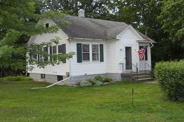 $147,900. 55 Illinois Ave., North Greenbush, NY 12144. 748 square feet. View listing.