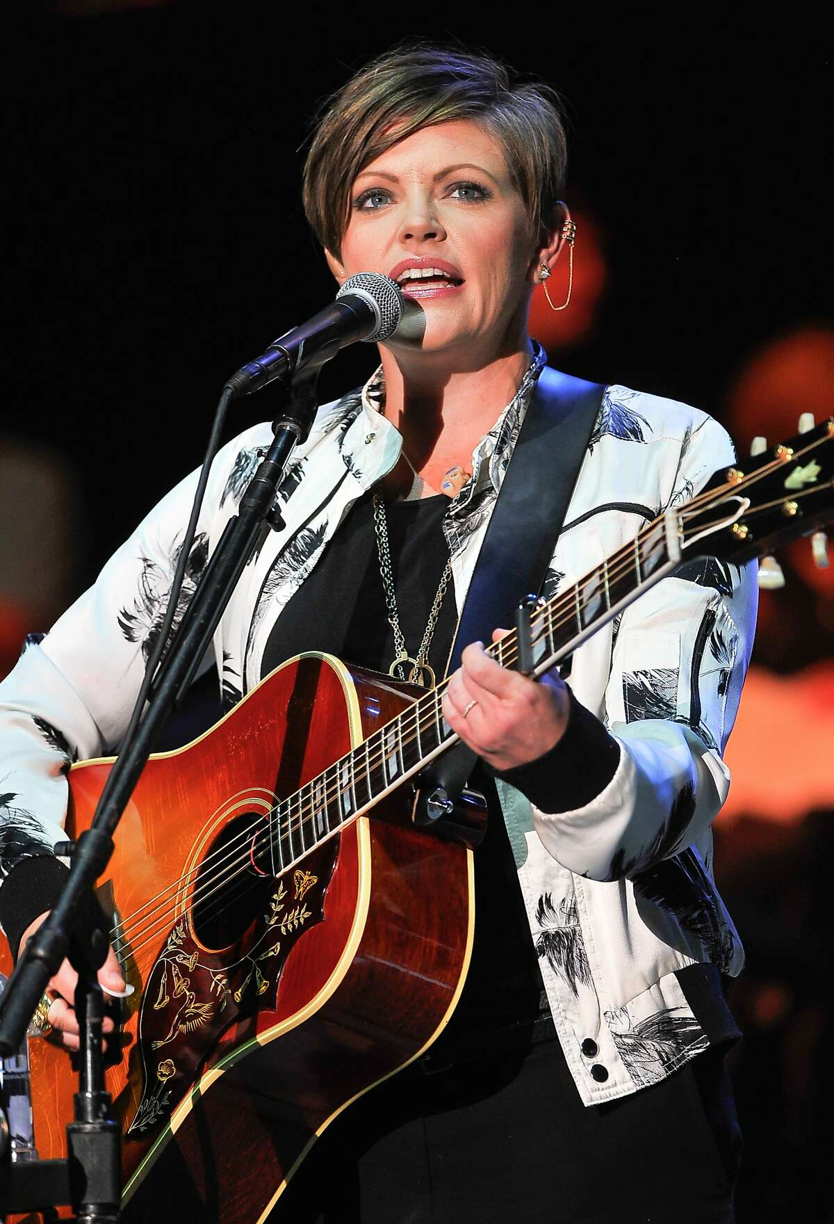 MOUNTAIN VIEW, CA - OCTOBER 25: Natalie Maines of Dixie Chicks performs at the 29th Annual Bridge School Benefit concert at Shoreline Amphitheatre on October 25, 2015 in Mountain View, California. (Photo by Steve Jennings/WireImage)