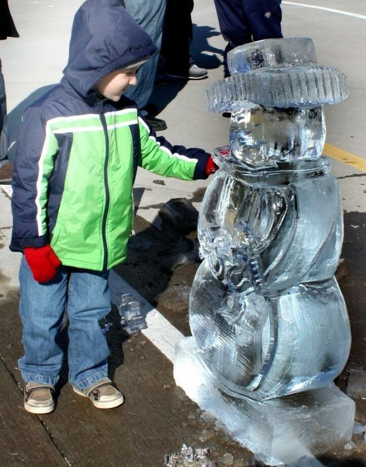 The Fire and Ice Valentine's Festival in Putnam on Saturday will feature professional ice carving demonstrations and ice sculptures. Find out more.